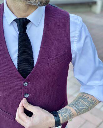 Мужской приталенный жилет бордового цвета. Арт.: 3-2010-10