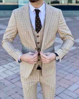 Мужской бежевый костюм-тройка приталенного кроя. Арт.: 4-2254-3