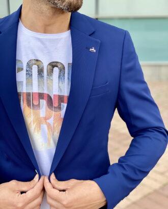 Приталенный мужской блейзер синего цвета. Арт.:2393