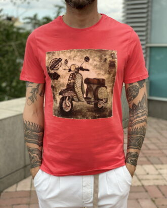 Красная футболка с принтом.Арт.:2378