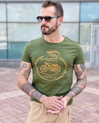Зеленая кэжуал футболка с принтом. Арт.: 2441
